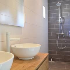 Interieurontwerp herenhuis Utrecht:  Badkamer door Studio Binnen,