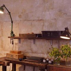 J&V Vintage Industrial Furniture:  Arbeitszimmer von Nina Altmann Fotografie