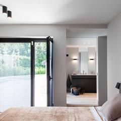 Project K:  Slaapkamer door JUMA architects