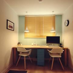 [홈라떼] 신혼부부의 포근한 20평대 아파트 홈스타일링: homelatte의  서재 & 사무실