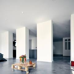 EXTENSION SURELEVATION MAISON HB33: Salon de style  par Cendrine Deville Jacquot, Architecte DPLG, A²B2D
