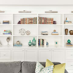 Living Spaces:  Living room by Clean Design, Modern