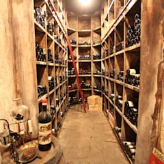 Historischer Weinkeller: klassischer Weinkeller von Neugebauer Architekten BDA
