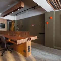 Edificios de oficinas de estilo  por 禾光室內裝修設計 ─ Her Guang Design