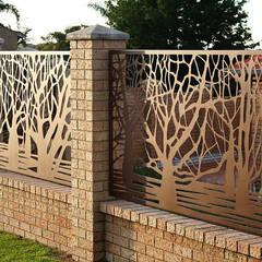 homify:  tarz Bahçe, Modern Demir/Çelik