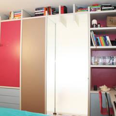 appartement haussmannien rénové à Lyon 06: Chambre d'enfant de style  par Koya Architecture Intérieure