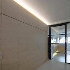 Potong Pasir Renovation:  Kitchen by Designer House