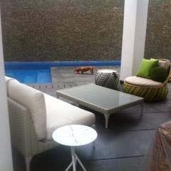 Proyecto La Castellana.: Terrazas de estilo  por THE muebles,