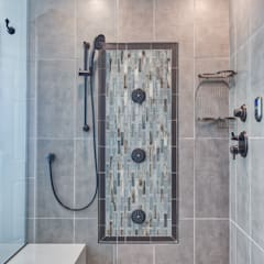 Country Estates Master Bath :  Steam Bath by Studio Design LLC