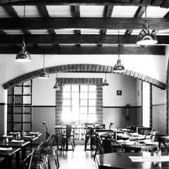 COMENSALES 02: Restaurantes de estilo  por Labinterfases