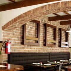BOOTH: Restaurantes de estilo  por Labinterfases