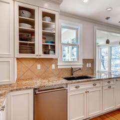 آشپزخانه by Studio Design LLC