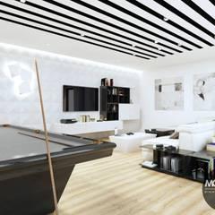 Basen i salon go gier w jednym: styl , w kategorii Basen zaprojektowany przez MONOstudio