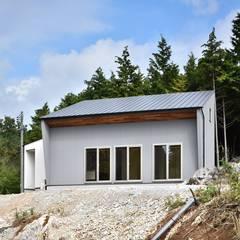 NM邸: Sen's Photographyたてもの写真工房すえひろが手掛けた家です。