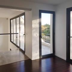 Maison Chatenay-Malabry: Fenêtres de style  par Daniel architectes