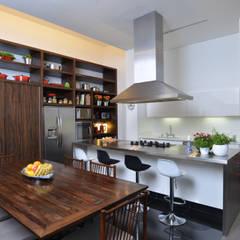 Kitchen by Studio Leonardo Muller