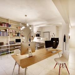 Studio Tenca: Studio in stile in stile Moderno di meucci srl