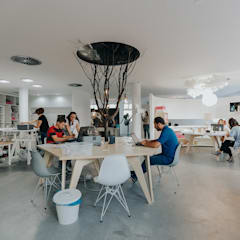 Offices & stores توسطad+r Creative Studio, صنعتی