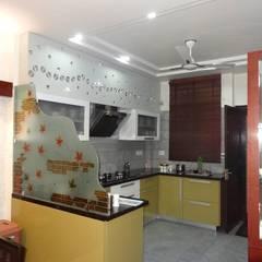 Villa Interiors at Ghaziabad: modern Kitchen by Ar. Sandeep Jain