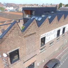 Loft à Tourcoing: Maisons de style  par Agence S. Duca Architecte DPLG