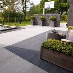 Moderne tuin Peize:  Tuin door KLAP tuin- en landschapsarchitectuur