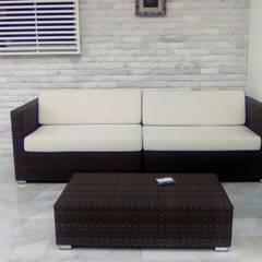 Terraza Los Chorros.: Terrazas de estilo  por THE muebles,
