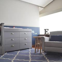 Cuartos de bebe y niños: Recámaras para bebés de estilo  por CuboB Arquitectura de Interiores