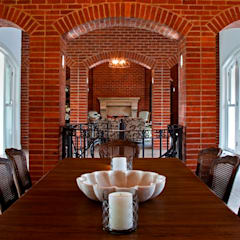Beautiful Gowrie Farm:  Dining room by Walker Smith Architects