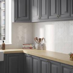 Rhombus Wall Cream 15,2x26,3: Cocinas de estilo  de Equipe Ceramicas