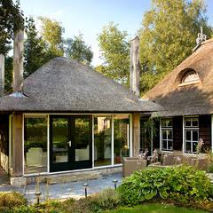 Woonhuis Bontebok: landelijke Serre door Sipma Architecten