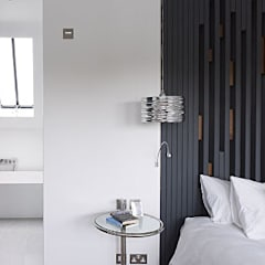 Gallery House on Richmond Park:  Bedroom by Elemental Architecture