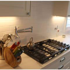 Sector anafe: Cocinas de estilo ecléctico por KorteSa arquitectura