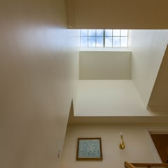 Lucernario in stile  di Pedro Brás - Fotógrafo de Interiores e Arquitectura | Hotelaria | Alojamento Local | Imobiliárias