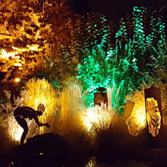Kleiner Garten große wirkung:  Garten von Moreno Licht mit Effekt