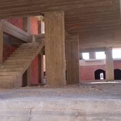 فيلا سكنية بالسادس من أكتوبر:  غرفة المعيشة تنفيذ ahmed hamdi,