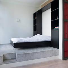 slaapkamer op podium:  Slaapkamer door IJzersterk interieurontwerp