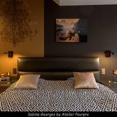 Aménagement suite parentale: Chambre de style  par Atelier Pourpre Design & Décoration SPRL