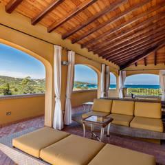 Veranda: Terrazza in stile  di Photographer Gabriele Sotgiu
