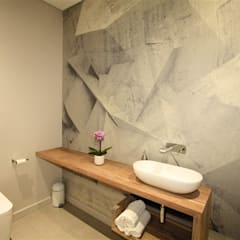 Bathroom Guest:  Bathroom by E2 Architects