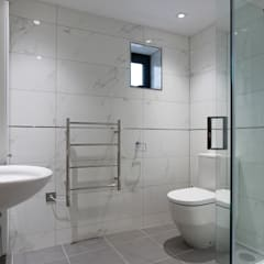 New House,  Clifton, Bristol:  Bathroom by Richard Pedlar Architects