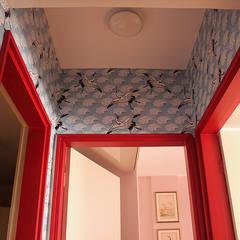 Apartamento super moderno: Corredores e halls de entrada  por Estúdio Cicada