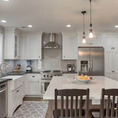 Cherry Creek Town Home :  Kitchen by Studio Design LLC