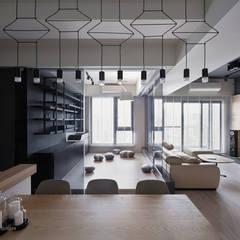 東京中城 蔡宅:  客廳 by 思維空間設計