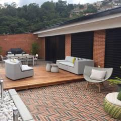 Proyecto Terraza El Hatillo: Terrazas de estilo  por THE muebles,