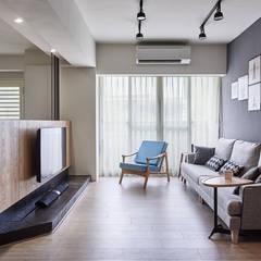 台中米蘭:  客廳 by 思維空間設計