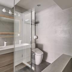 Bathroom by 思維空間設計