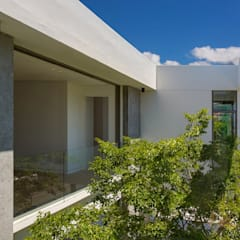 Firth 114802:  Garden by Three14 Architects, Minimalist