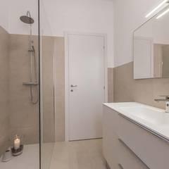 Ristrutturazione appartamento Como, Cavallasca Bagno moderno di Facile Ristrutturare Moderno