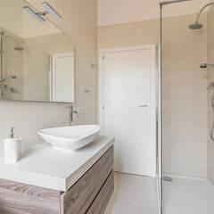 ห้องน้ำ by Facile Ristrutturare