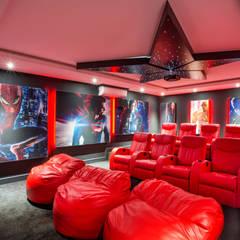 ULTRA MODERN RESIDENCE:  Media room by FRANCOIS MARAIS ARCHITECTS